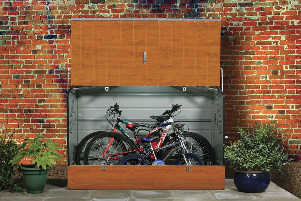 Bicycle-store-opened-wood-grain